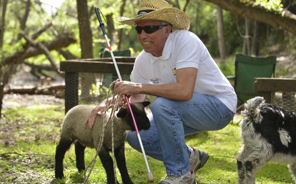 Manriquez buscó apoyo en la ONG localque trabaja con personas con discapacidad.